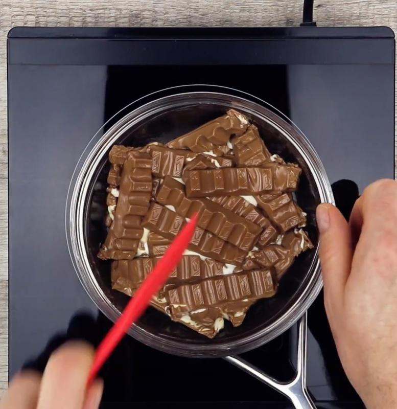 Fundir Chocolate Al Baño Maria   Vamos A Derretir Todo El Paquete De Chocolate Kinder Cuando
